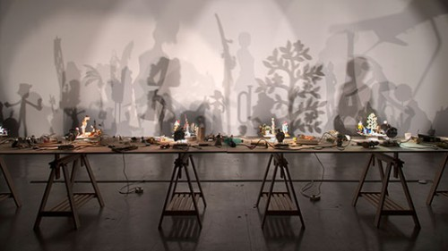 "Hans-Peter Feldman""משחק הצללים"", 2005, באדיבות מוזיאון ישראל, ירושלים"