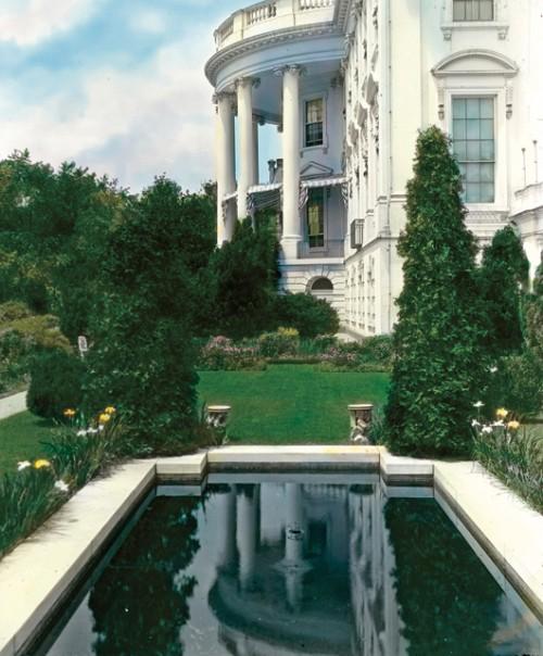 הגן הדרום מערבי בבית הלבן. צילום באדיבות Acanthus Press, N.Y