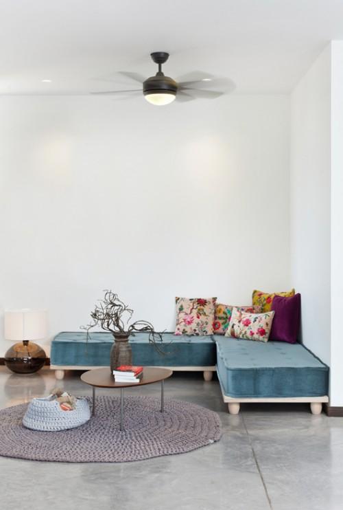 חדר משפחה פתוח תוכנן כך שבעתיד יוכל לשמש כחדר שינה