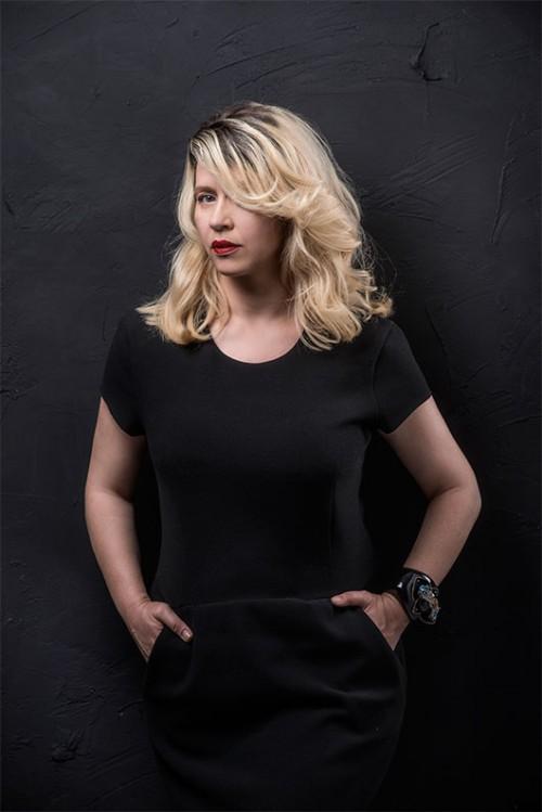 צילום: איליה מלניקוב | איפור: שיקו ואן | שיער: נועה יהונתן