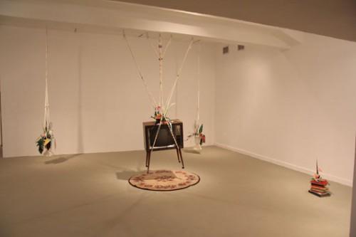 """ליהי חן, """"אהוב אותי פעמיים"""", 2013, פרט מתוך מיצב, מוזיאון חיפה לאמנות"""