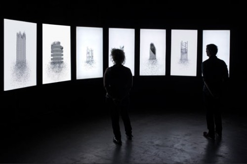 "Aziz + Cucher""Time of the Empress"", משנת 2014, מיצב וידיאו אנימציה בשבעה ערוצים,מראה הצבה ב־The Screening Room, מיאמי. אוצרת: תמי כץ־פרימן"