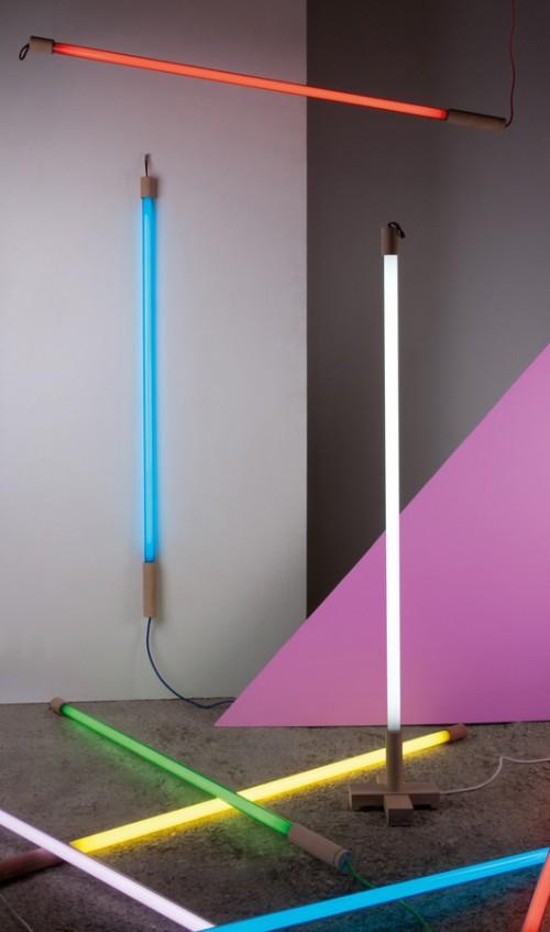 קופסאות תאורה ושלטי ניאון מככבים בעיצוב הבית. Seletti