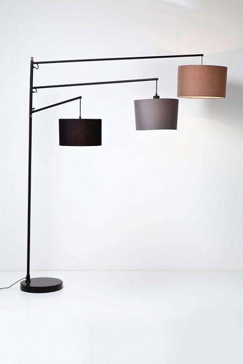 מנורת עמידה של קארה דיזיין |צילום: פיטר יורגן