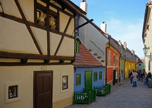 סמטת הזהב. אוסף מתוק של בתי מגורים זעירים. צילום: shutterstock