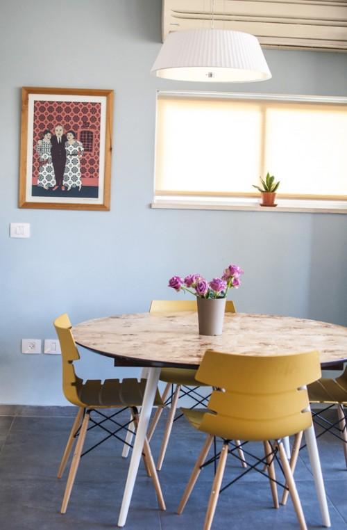 ניצול חכם של המרחב בפשטות עיצובית. פינת האוכל | צילום: סיוון אסקיו