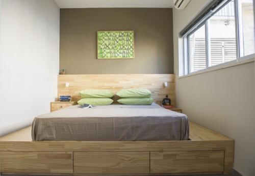 חדר השינה. ניצול נכון של כל חלל החדר לאחסון. עבודה של יורם קופרמינץ | צילום: סיוון אסקיו