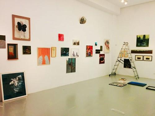 תערוכת מכירה של יצירות אמנות של אמנים ישראלים במחירים נגישים | צילום: נינו המרמן
