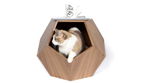 Missy Cave, שולחן שהוא גם מערה לחתול | צילום: Eat Sleep Fetch