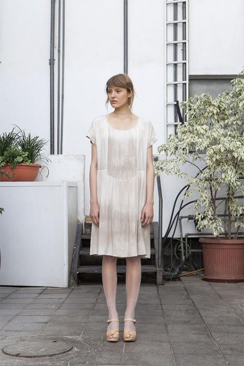 שמלה נשית ורכה של גרטרוד   צילום: רוני כנעני
