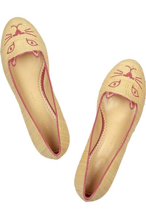 """נעלי חתול של שרלוט אולימפיה   צילום: יח""""צ"""