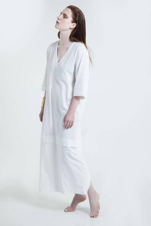 מלאך אורבני בדמות שמלה לבנה של רימה רומנו   צילום: ז'אן כהן