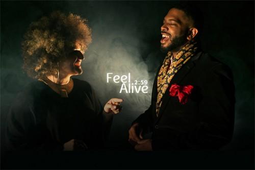 """""""Feel Alive"""", הסינגל של קרולינה שהוקלט בלוס אנג'לס"""