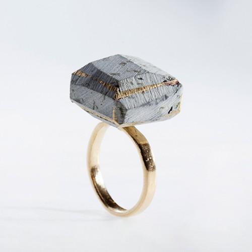 טבעת קובייה של המעצבת נוי אלון | צילום: רן גולני