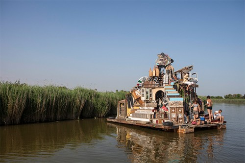 Swoon – Swimming Cities | צילום באדיבות הביאנלה לאמנות בוונציה