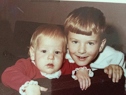 אורלי רובינזון וערן רולס בידלותם   צילום מאלבום משפחתי
