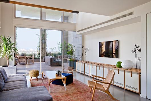 סלון הבית | צילום: בועז לביא