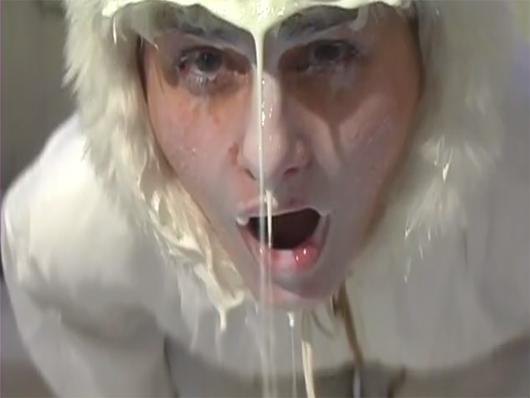 """Liquid White"""", 2006""""   באדיבות האמנית"""