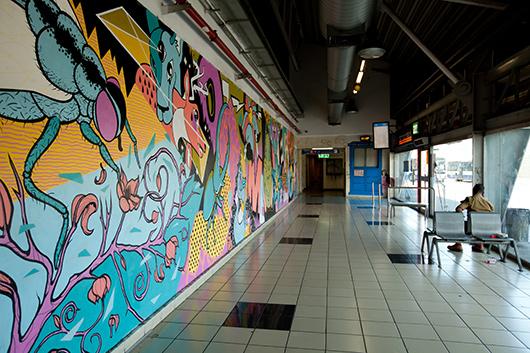 תערוכת גרפיטי ללא קהל באולם הנוסעים שבקומה השביעית | צילום: בועז לביא