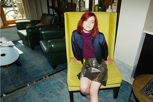 חולצה וחצאית זארה | ז'קט ויקטוריה בקהאם לפקטורי 54 | צילום: גיא נחום לוי
