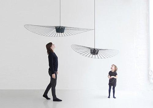התערוכה של קונסטנס גיסֶה מטשטשת את הקווים ומדגישה את פוטנציאל ההבעה הנובע מהקונטרסט של חם/קר