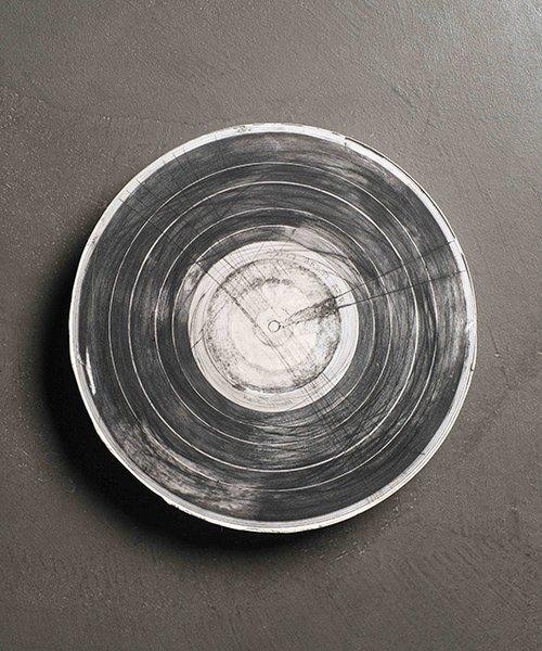 מתוך תערוכת היחיד של פונר קוקס   צילום: מידד סוכובולסקי