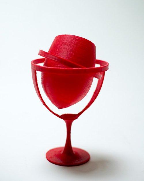 גביע יין בעיצוב עזרי טרזי