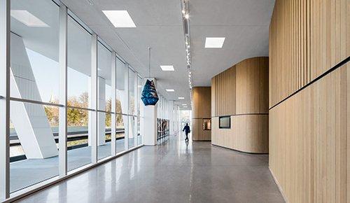 מרכז האמנויות החדש Diane-Dufresneשל משרד האדריכלים ACDF Architecture   צילום: Adrien Williams