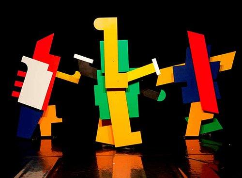 קורט שמידט, פרידריך וילהלם בוגלר וגיאורג טלטשר | הבלט המכני, 1923, וידיאו (הפקה חדשה שהוקלטה ב-2009 בבאוהאוס דסאו) | צילום: א. אלטינגר, באדיבות Theater der Klonge
