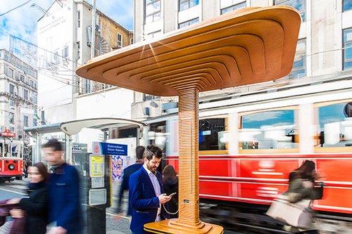 עמדת הטעינה (Mito) בעיצוב סטודיו מוסקבאי בשם Art Lebedev
