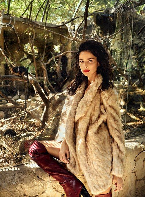 מעיל ומגפיים: זארה   צילום: אייל נבו
