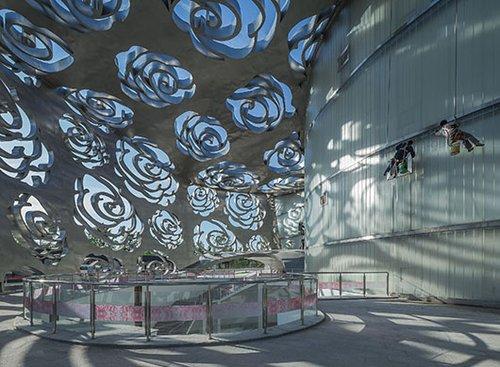 Rose Museum: משחקי אור של חיתוכי ורדים | צילום: Xiao Kaixiong