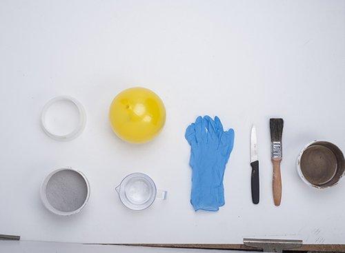 חומרים וכלי עבודה   צילום: איליה מלינקוב