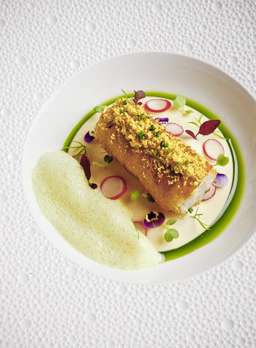 מנה של השף רוג'ר רסין ממסעדת La Rive שנחשבת אחת מ-7 המסעדות הטובות בהולנד