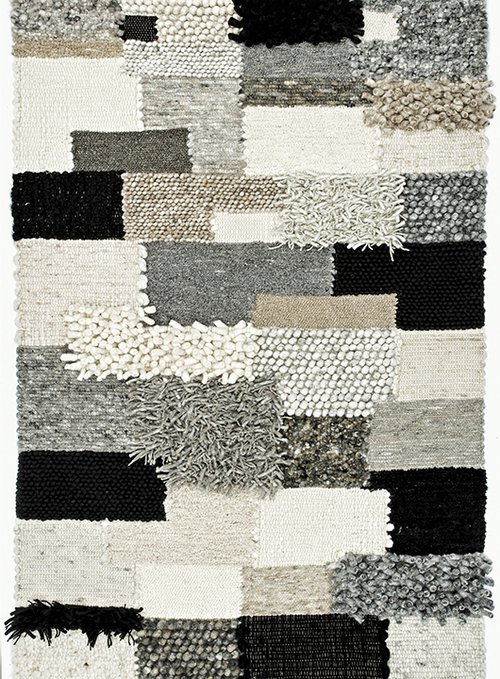 אריגה בעבודת יד ממגוון רב של חומרים ובשיטות שונות נותנים לשטיח מראה תלת ממדי | 1,100 שקלים, להשיג בצמר שטיחים יפים | צילום: מיכאל שומר