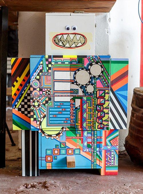 הרובוט של טוש   קיבוץ גלויות   צילום: אורית ארנון
