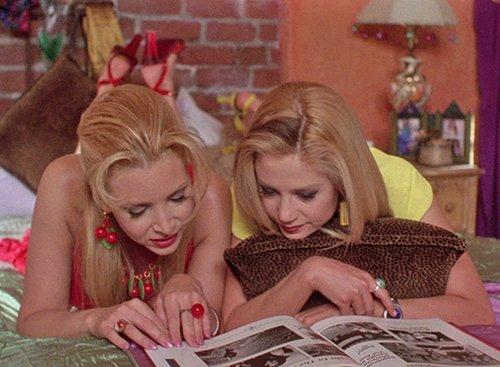 """צילום מסך מתוך הסרט """"רומי ומישל – פגישת מחזור"""""""