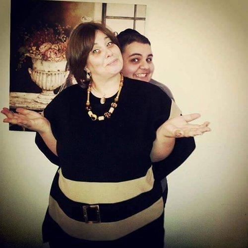 יונתן כנער עם אמו