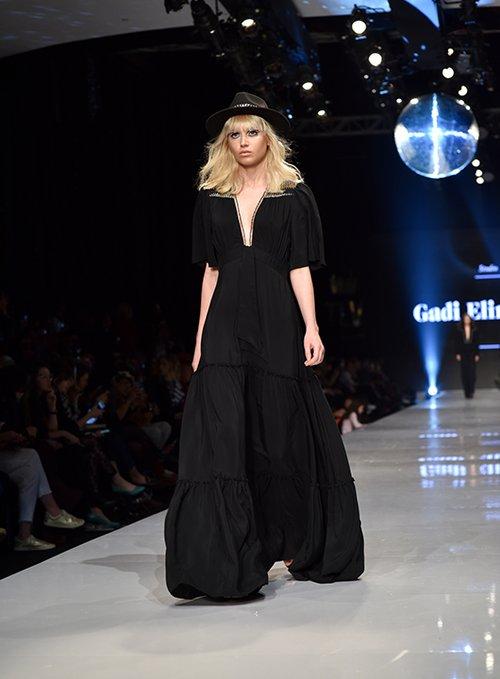 מתוך התצוגה של גדי אלימלך בשבוע האופנה גינדי תל אביב 2017 | צילום: שי פרנקו