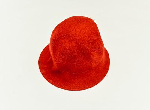 """כובע של נוני פורטונה, 50 ש""""ח   צילום: שי פרנקו"""