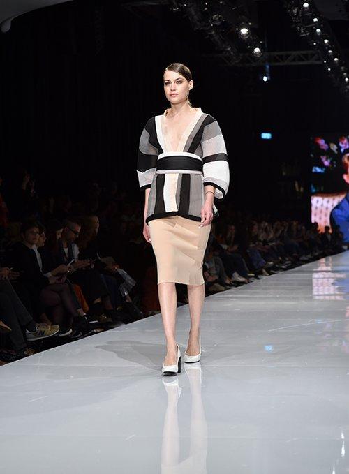 מתוך התצוגה של תמרה סלם בשבוע האופנה גינדי תל אביב 2017 | צילום: שי פרנקו