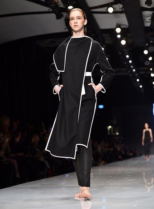 מתוך התצוגה של משכית בשבוע האופנה גינדי תל אביב 2017 | צילום: שי פרנקו