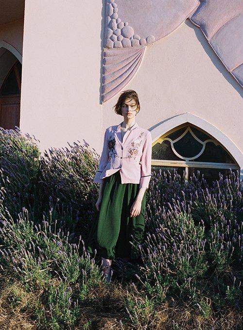 חולצה טופשופ, מכנסיים אקנה בבוטיק ורנר | צילום: דודי חסון