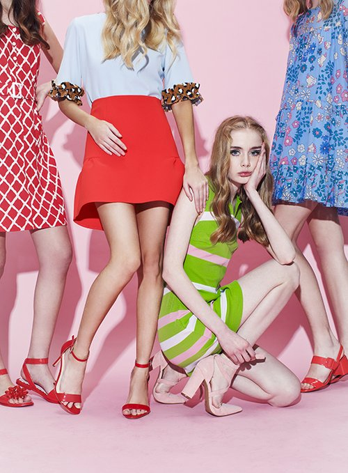צבעוניות עד הסוף. טל: שמלה איתי גונן, נעליים זארה | אווה: שמלה איתי גונן, נעליים דיסקו רוסו | סטפני: חולצה קאלה, חצאית H&M, נעליים ניין ווסט | לנקה: שמלה MANOUSH, נעליים מנגו | פולי: חולצה סטודיו V, חצאית טופשופ, נעליים ניין ווסט