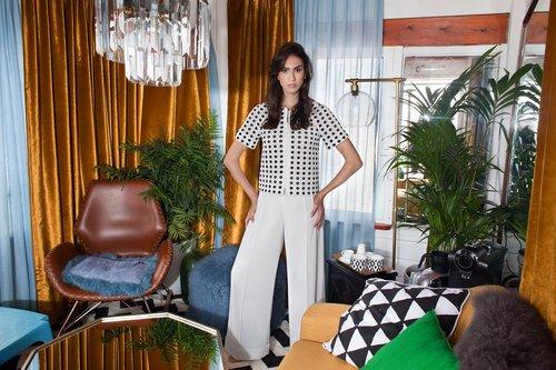 """אליאן סטולרו: ז'קט 2,200, מכנסיים 2,100 ש""""ח   צילום: מרינה מוסקוביץ כריס"""