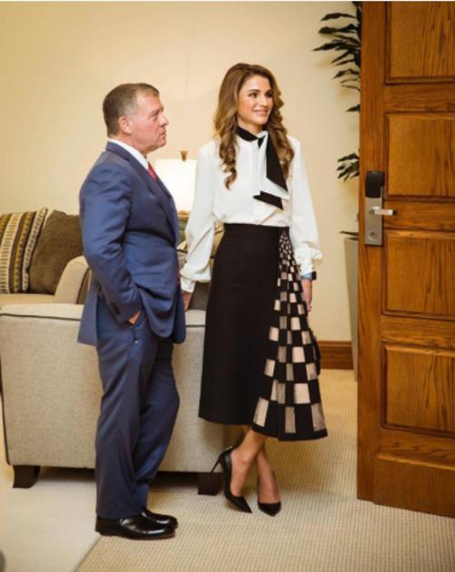 מצטיינת במיוחד בחצאיות מידי: ראניה, מלכת ירדן | צילום: מתוך האינסטגרם שלה queenrania@