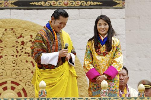 לחובבות טרנד הקימונו: ג'סטון פמה מלכת בהוטן | צילום: Gettyimages