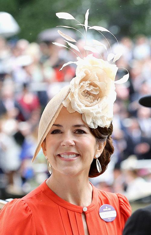 לא רק קייט מידלטון מפציצה בכובעים, גם מארי נסיכת דנמרק יודעת את העבודה | צילום: Gettyimages