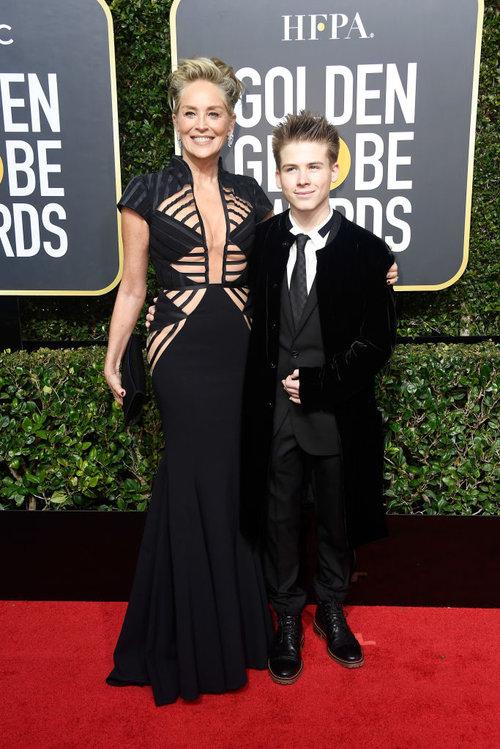 שרון סטון עם בנה (המאומץ) רואן ג'וזף ברונשטיין | צילום: Gettyimages