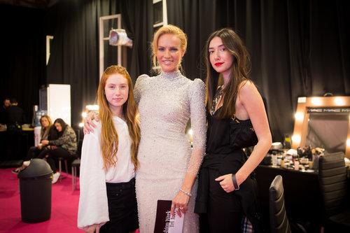 גלית גוטמן והבנות שירה ואמה בערב הגאלה של פנדורה, שבוע האופנה תל אביב 2018 | צילום: oart films